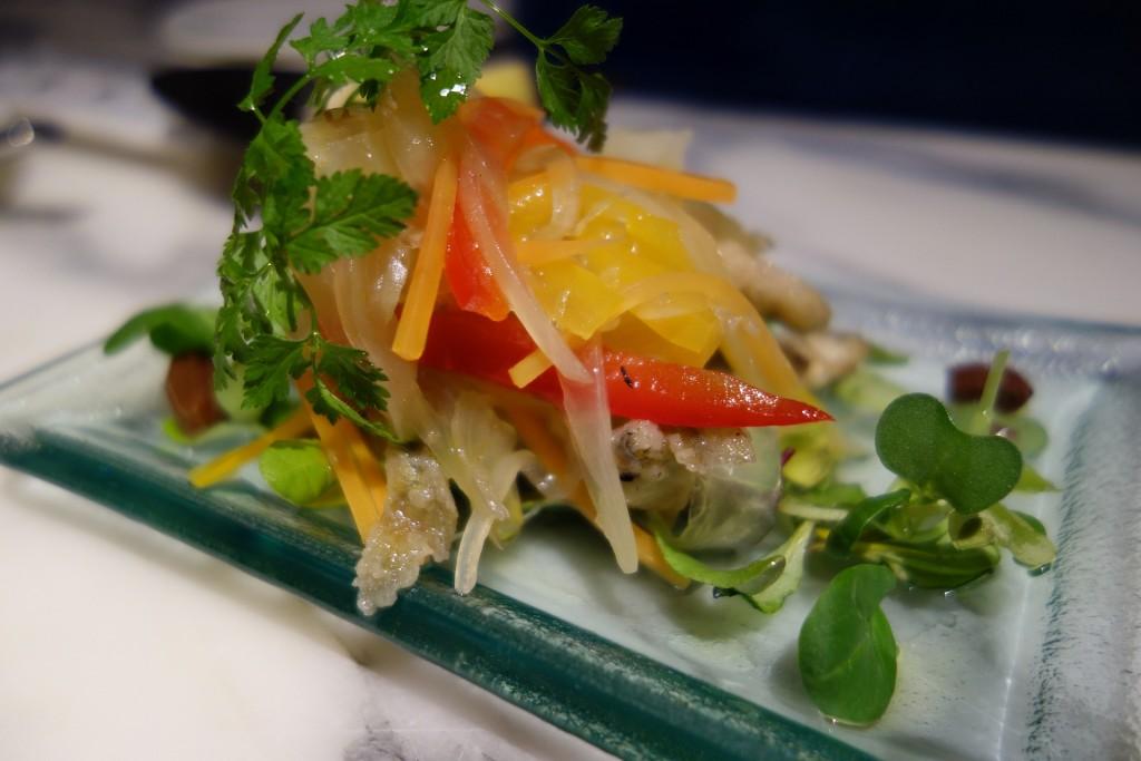 彩りがいいイタリアン料理のエスカベッシュ