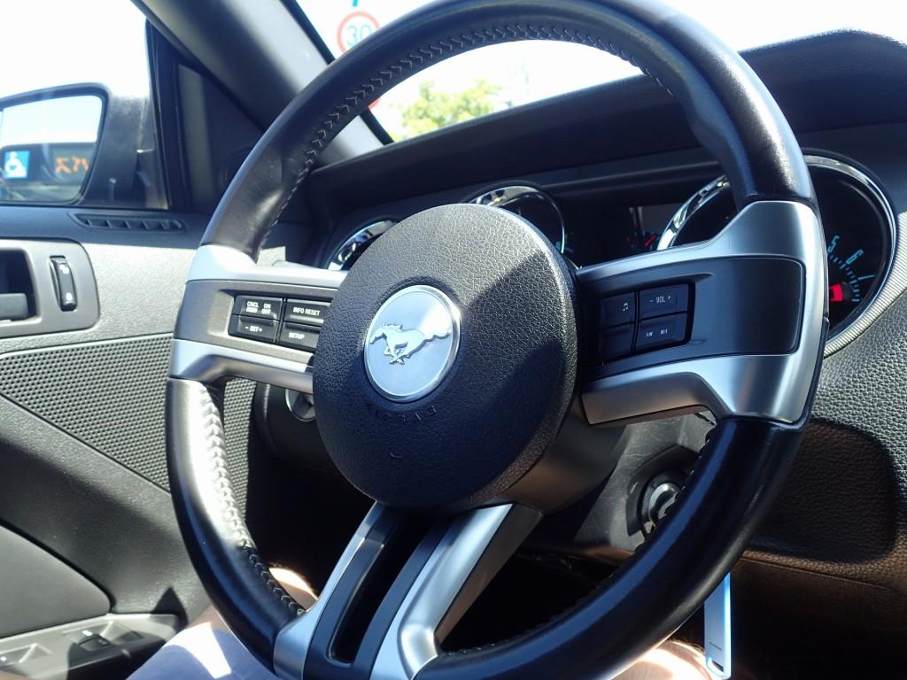 フォードマスタングのイカしたハンドル