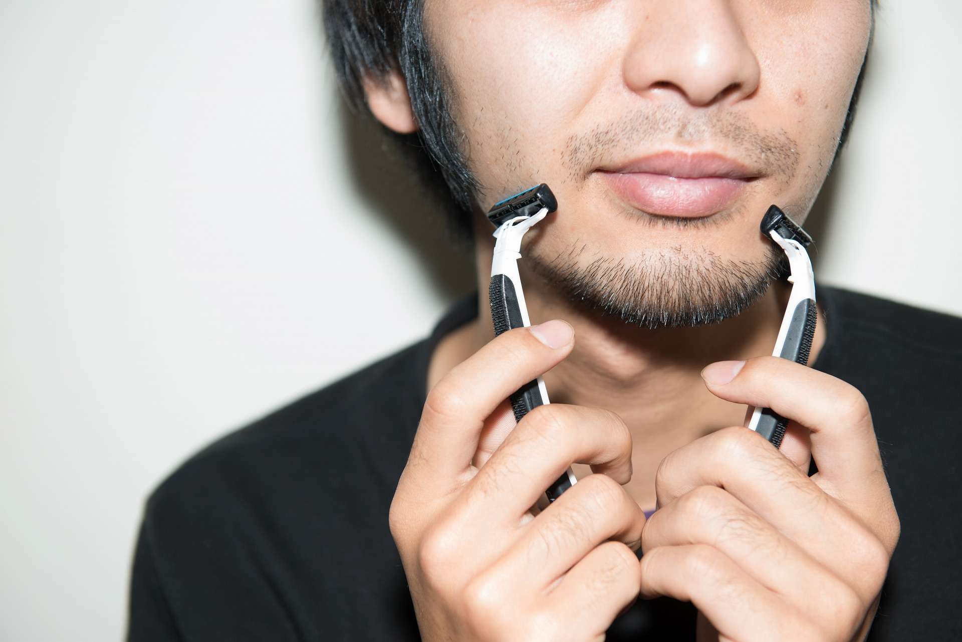 ツートップフォーメーションで攻める髭剃り