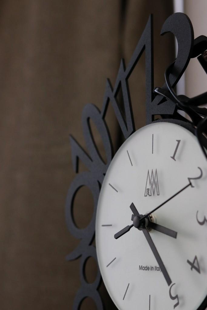 西洋アンティークな時計