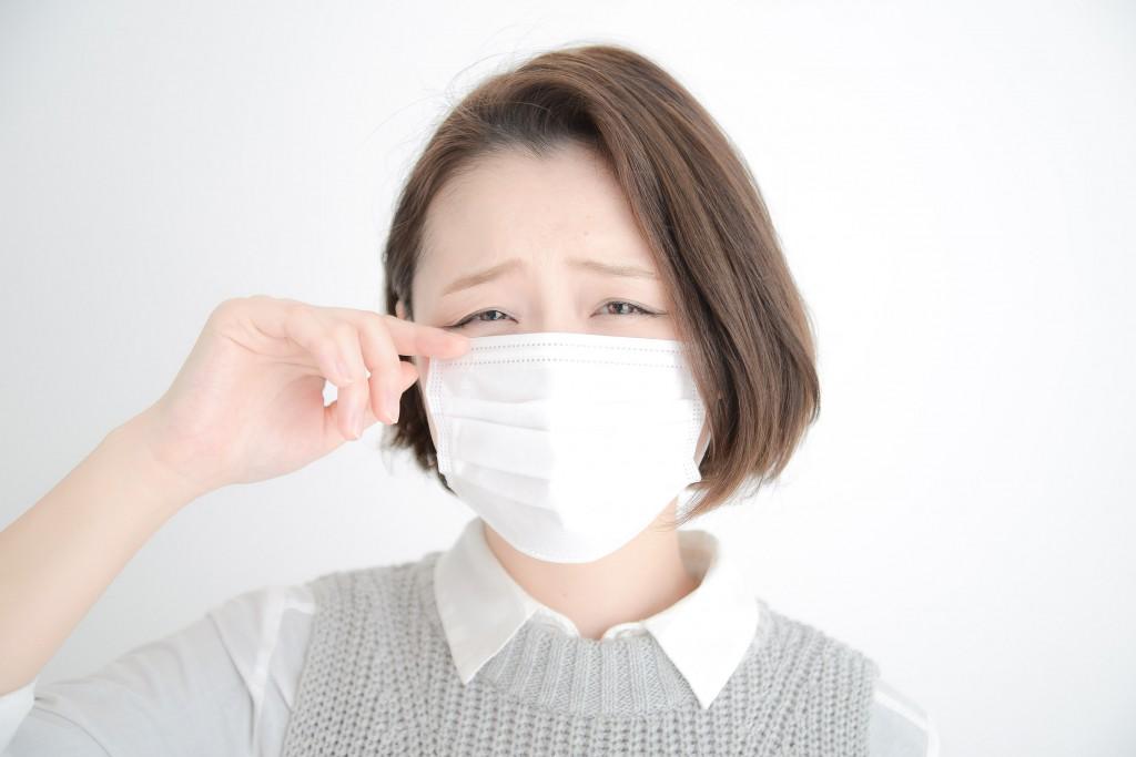 花粉症つらくてマスク必須