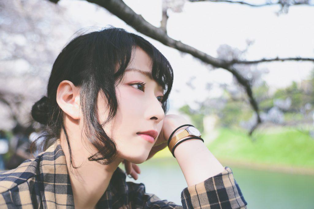 鮮やかな桜に見とれてしまう