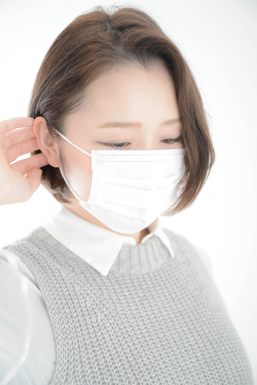 長時間のマスク着用で耳の裏が痛い