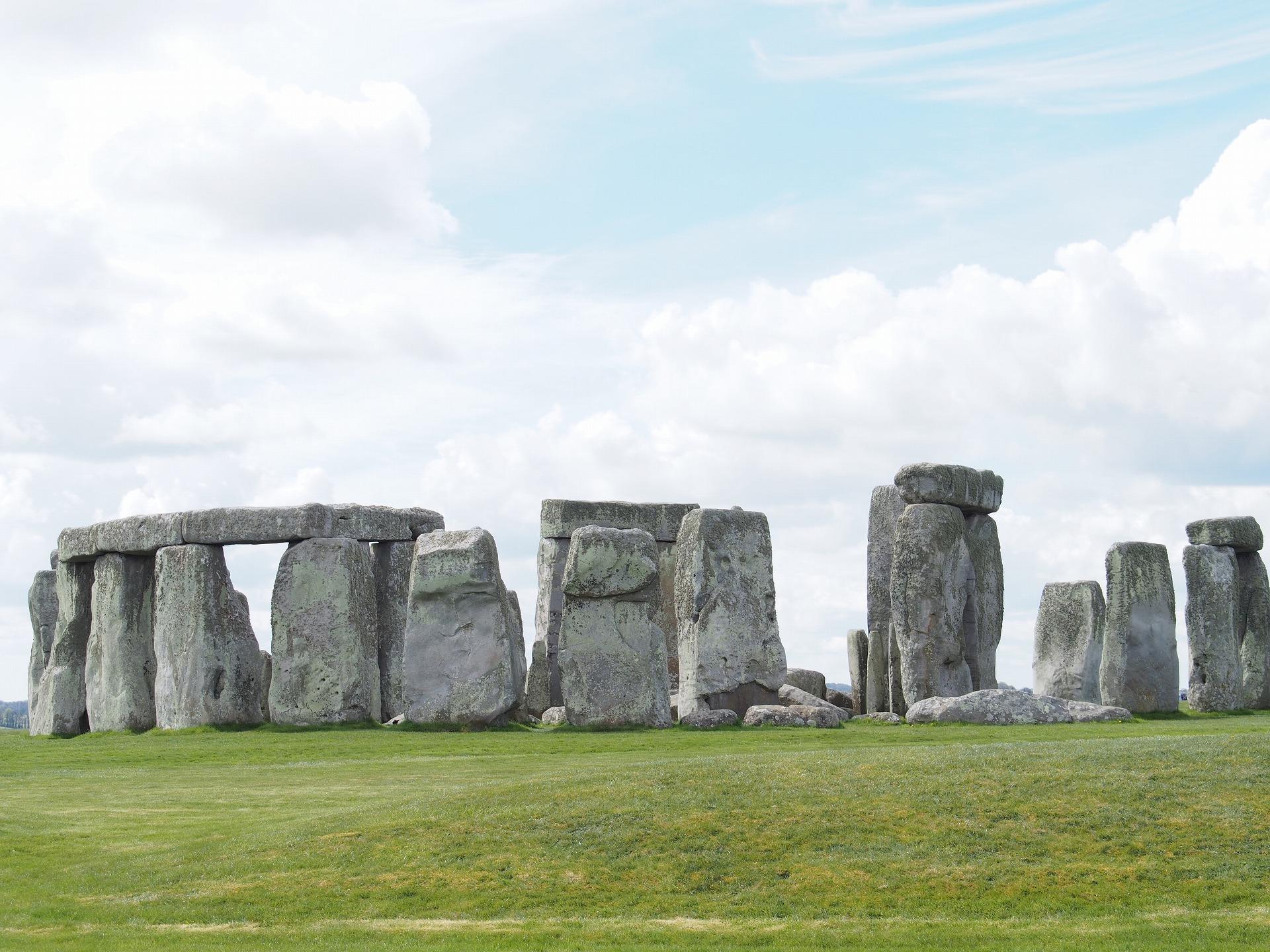謎に包まれたストーンヘンジ岩