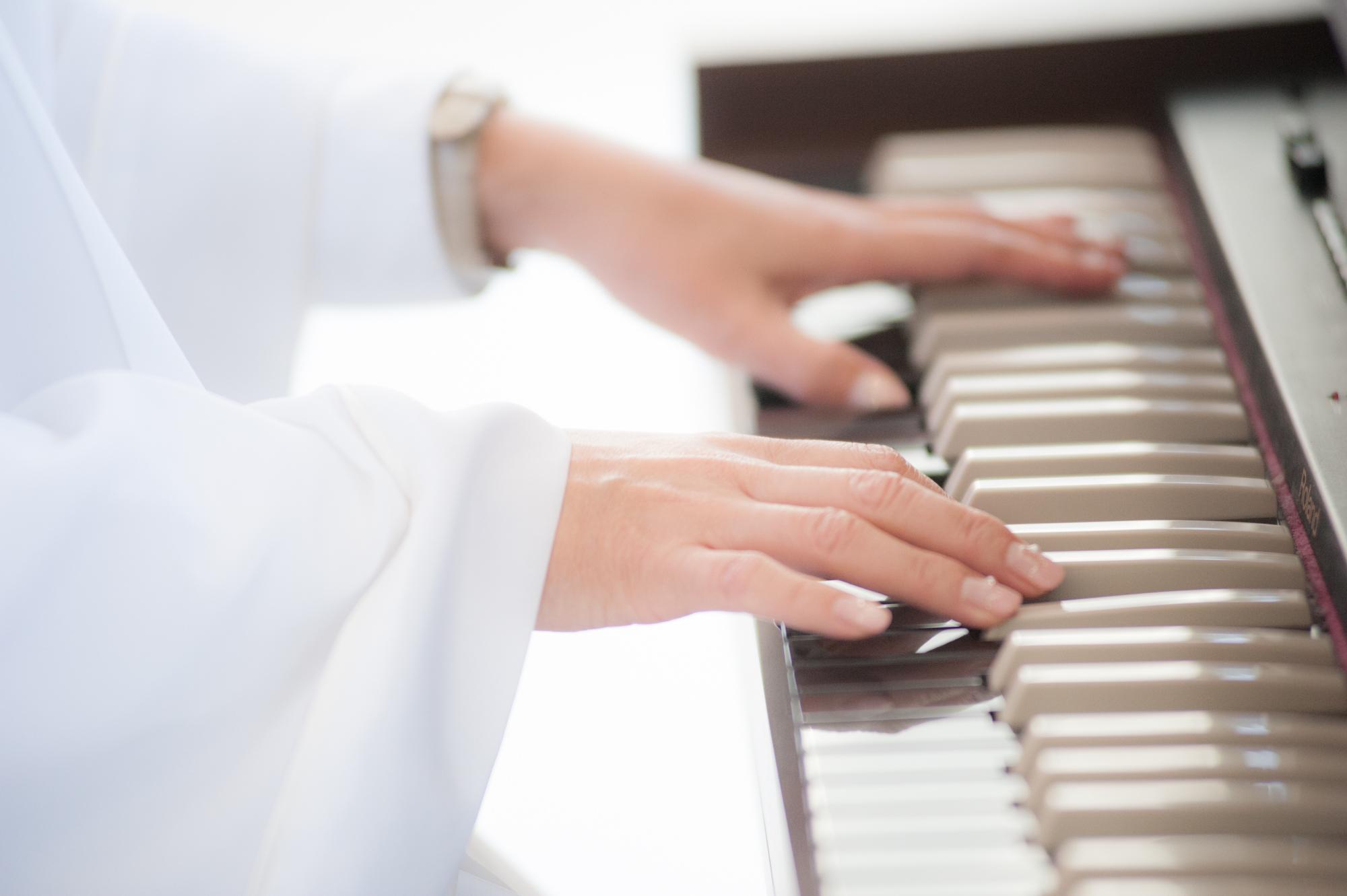 教会に響き渡るパイプオルガンの音色