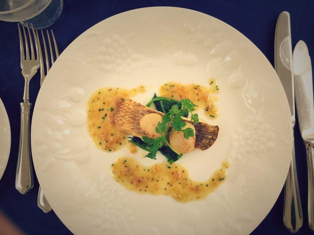 フランス料理、白身魚のポワレ