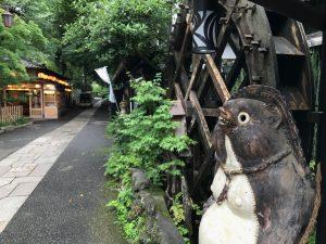深大寺そば屋が立ち並ぶ現代の江戸風景