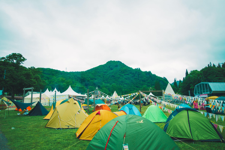 山とテントと野外フェス