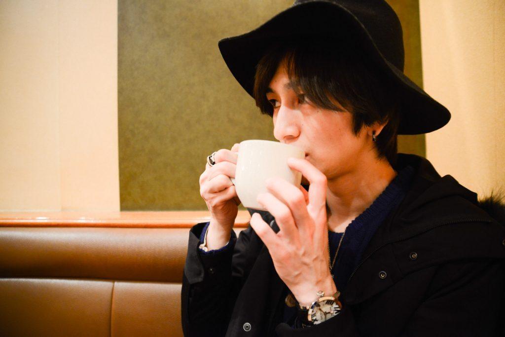 ホットコーヒーで温まる