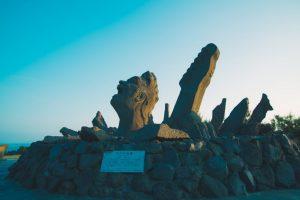 桜島溶岩を使った「叫びの肖像」