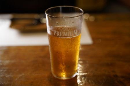 グラスに注いだ生ビール